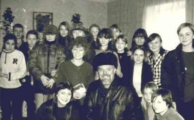 Breck Parkman with Siberian classroom students
